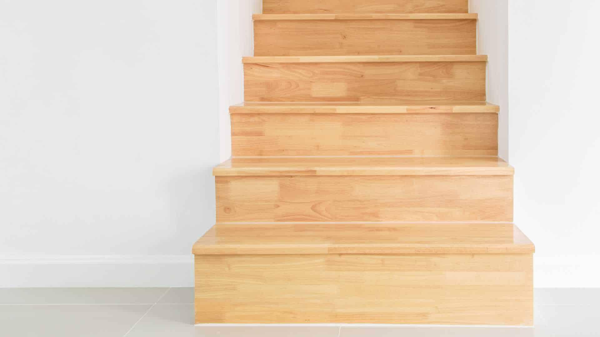 christophe de schrainer pour un escalier sur mesure et durable